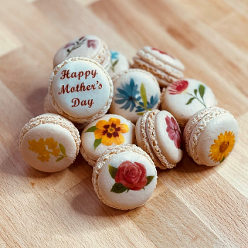 National Shipping - 12 Piece Mother's Day Macaron Set